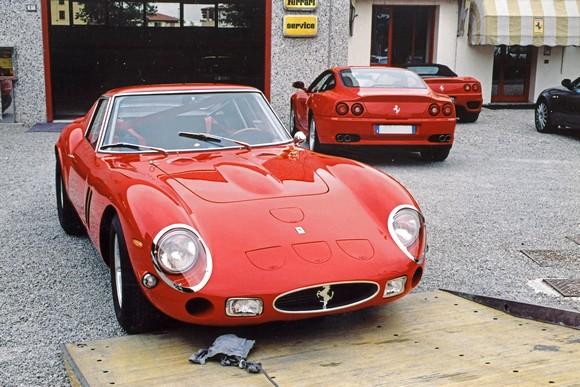 Autofficina Bonini Carlo Restauri Auto Ferrari Recenti E